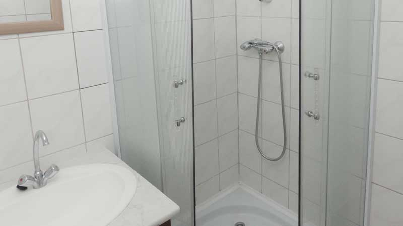 Szállás Merkur mobilház fürdőszoba